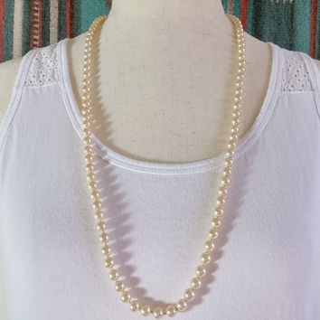 Vintage High Quality Lustrous Shiny Faux Pearl Necklace Very Pretty Sterling Silver Gold Vermeil Box with Tab Insert Style RS Clasp Patina