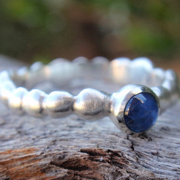 blue sapphire ring - solid sterling silver pebble shaped band with 4mm natural blue sapphire gemstone - handmade - made to order