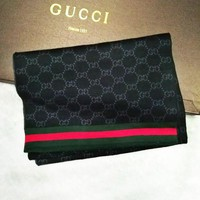 GUCCI trend men's contrast color double-sided warm shawl scarf