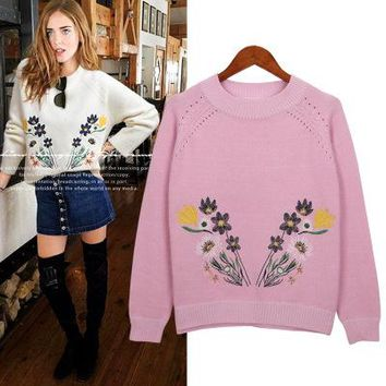Large size women 2017 autumn embroidery flowers loose long sleeves [39676444698]