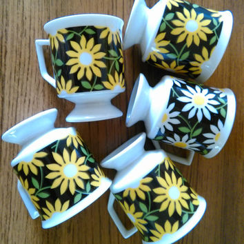 Daisy Demitasse Cups, Vintage Daisy Espresso Cups, Flower Power Mugs, Daisy Coffee Cups, Vintage Mann Made Exclusive Mugs, Daisy Coffee Mugs