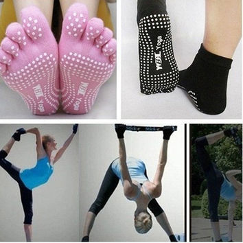 Women Yoga Socks Non-slip Massage Rubber Fitness Warm Socks Gym Dance Sport Exercise Barefoot Feel One Size = 1933049540
