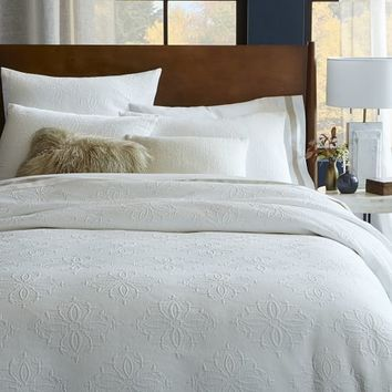 Organic Diamond Medallion Matelasse Duvet Cover + Shams – Stone White