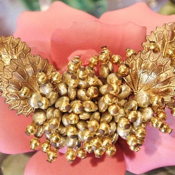 Miriam Haskell Brooch 1940s Oval Faux Pearls Antique Haute Couture Pearlized Beads Gold Leaves Brooch World War II Brooch Estate Heirloom
