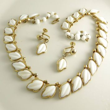 Classic Vintage Trifari White Poured Glass Necklace and Screw Type Earring