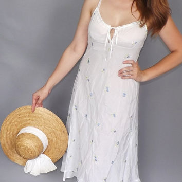 Vintage 1990s Sweet White Cotton Floral Embroidered Country Summer Sundress Nightgown Boho Hippie Prairie Folk Country Peasant Tank Dress