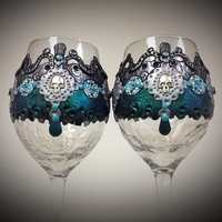 Something Wicked Polymer Clay Embellished Crackle Wine Glasses (2)