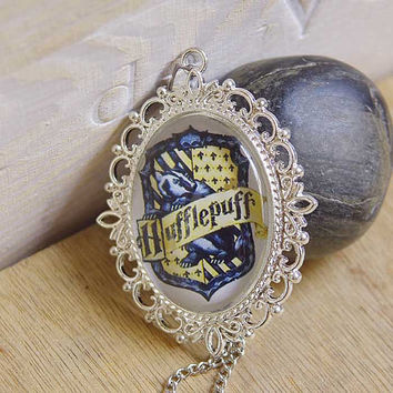 New-Victorian Retro Harry Potter Necklace with Gryffidor/Hufflepuff F025/F027