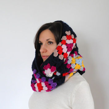 Crochet Granny Square Scarf, Wool Infinity Scarf, Chunky Infinity Scarf, Granny Square Cowl, Crochet Hooded Scarf