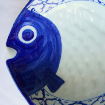 "CERAMIC Fish Shaped PLATE Pompano Hand Painted Asian Blue & White Platter Serving Dish Imported Home Decor 9""x8.2""x2.2"" New  Ships from USA"