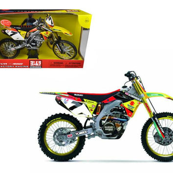 Suzuki Factory Racing RM-Z450 #7 James Stewart Dirt Bike Motorcycle Model 1-6 by New Ray