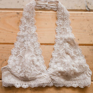 Perfecly Lace Halter Bralette - Beige