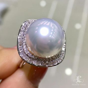 13-14mm White South Sea Pearl Ring, 18k Gold w/ Diamond - AAAA