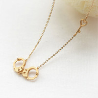 Handcuff and heart key gold necklace by laonato on Etsy