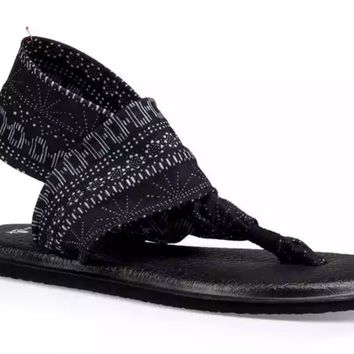 Sanuk Yoga Sling 2 Prints Black & White Shibori Striped Sandals