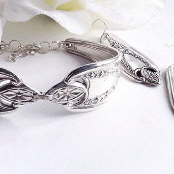 Old Colony Spoon Bracelet and Earrings, Spoon Earrrings, Silver Spoon Bracelet , Silverware Jewelry, Vintage Silver Spoon Bracelet