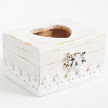 "Vintage style wooden wedding box ""Gold Vintage"" with a white lace trim - White, gold, shabby chic, ring bearer box, ecofriendly"