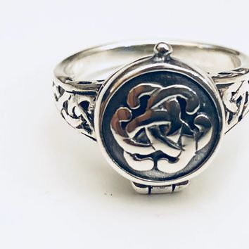 Celtic Poison Ring, Celtic Locket Ring, Endless Knot LocketvRing, Pillbox Ring, Sterling Silver Ring, Celtic Knot Poison Ring, Gifts for Her