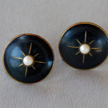 Vintage Victorian Revival Mourning Earrings Screw Back Round Black Enamel Pearl Cabochon Starburst 1940's // Vintage Costume Jewelry