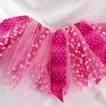 Valentine Tutu - 1 to 2 year old Tutu - Toddler Tutu - Scrappy Tutu - Shabby Tutu - Pink Red Tutu - Hearts Tutu - Birthday Tutu - Party Tutu