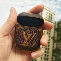 LV Louis Vuitton New fashion monogram print women men protective case earphone case no headphones