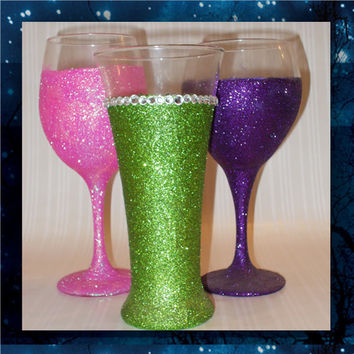 Glitter and Bling - pilsner glass - champagne glasses - wine glasses - bridal party glasses - wedding party glasses - birthday glitter glass