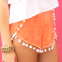 PRETTY POM POM SHORTS - Dissh