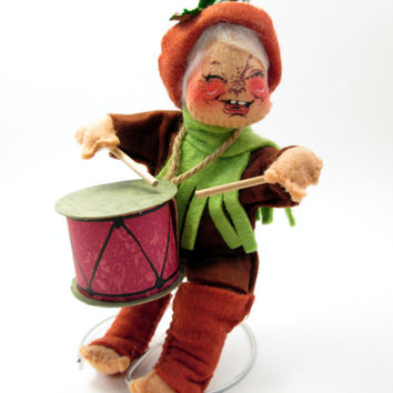 Vintage Annalee Drummer Boy and stand - Red and Green Felt Decoration - Christmas Holiday Fun - cottage chic decoration