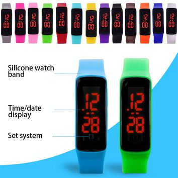 Silicone wristband watch Rectangular silicone bracelet watch women outdoor sports bracelet watches men student table clock
