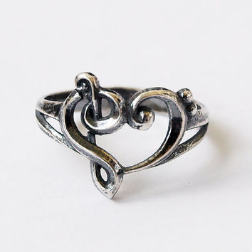 Music heart, Music heart ring, Heart ring, Heart jewelry, Music jewelry, Music ring, Size 7 ring, Treble clef ring