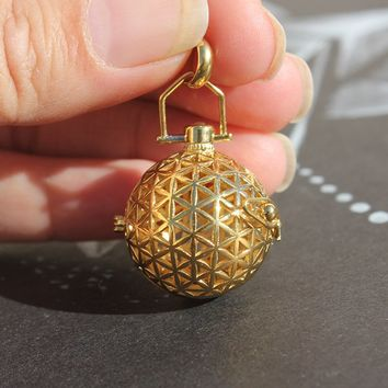 "Sacred Geo - Flower of Life ""Gold"" Essential Oil Pendant"