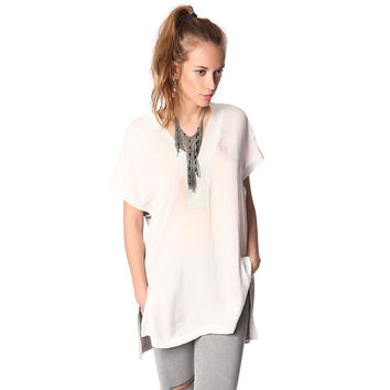 White longline shirt with side splits and contrast back