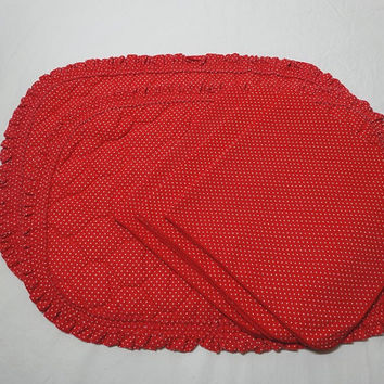 1980s Vintage Set of 2 Quilted Place Mats & 3 Napkins in Red and White Polka Dots, Ruffled Mats, Vintage Table Linens, Home Decor