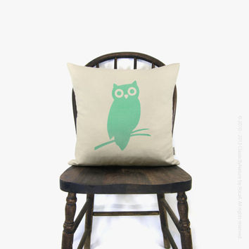 Decorative owl pillow case - Personalized pillow cover - Your choice of print color, fabric and size (12x18 or 16x16) - Baby nursery decor