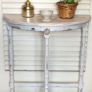 White Shabby Chic Nightstand/Side Table Vintage 1940s