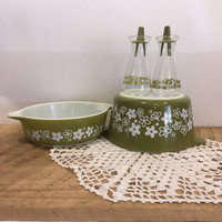 Vintage Pyrex Crazy Daisy Salt and Pepper Shakers , Spring Blossom Salt and Pepper Shakers, Retro Green Salt and Pepper , Green Flower