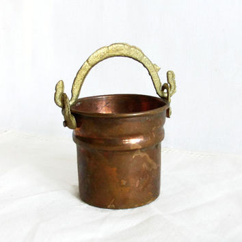Mini bucket, vintage copper, ornate brass handle, tiny pot. Country farmhouse, Farm house, barn. Metal cactus planter, Earthy home decor
