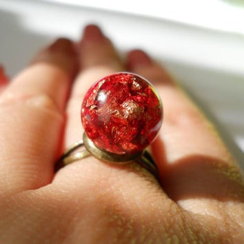 Gold flakes resin ring, adjustable ring, antique brass ring, gold foil, cocktail ring, sphere ring, resin ball, resin sphere ring, red resin