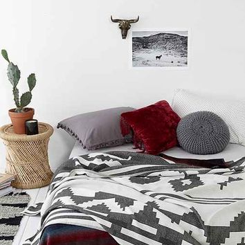4040 Locust Contrast Geo Bed Blanket- Black Full/queen