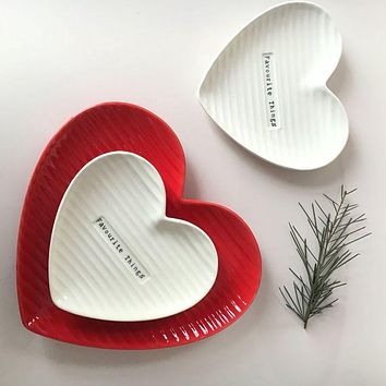 Love shape dish plate ceramic breakfast tray cake dessert plate colour and simple originality