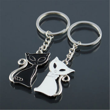 2Pcs/Lot White Black Cat Lovers Key Chain Best Friend Alloy Keychain Cute Animal Pet Couple Key Chains Christmas Gift