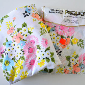 Vintage Pequot Floral Sheet Set, Full or Double Fitted and Flat Sheets, Floral Pattern, Polyester Cotton Bed Sheets, Vintage Fabric