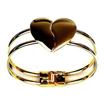 Elegant Women's Heart Shaped Open Clasp Cuff Bracelet