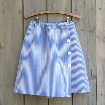Vintage skirt | Blue and white seersucker skort