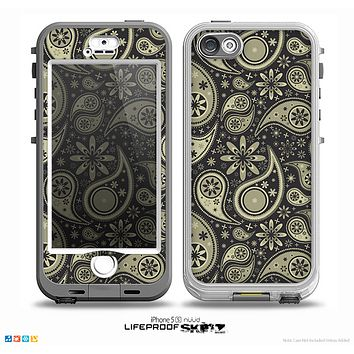 The Black & Vintage Green Paisley Skin for the iPhone 5-5s NUUD LifeProof Case for the LifeProof Skin