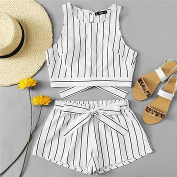 Vertical Striped Crop Top And Self Belt Shorts Set Boho 2 Piece Sets