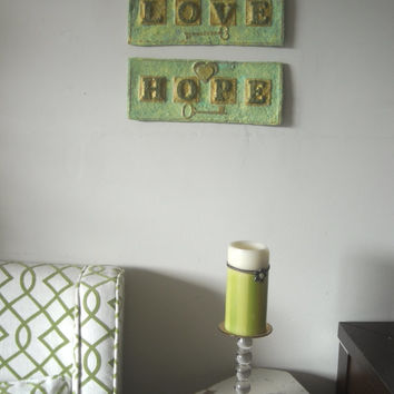 Christmas Wall Art Gift, Green Love Art, Hope and Love Christmas Decor, Home Accents, Shabby Chic Artwork, Boho Decor, Christian Art Set