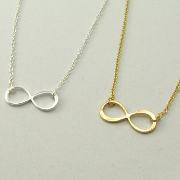 Gold or Silver Infinity Necklace / Simple Everyday Necklace / Gold or Silver Necklaces