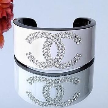 Chanel Woman Fashion Logo Diamonds Bracelet For Best Gift-12