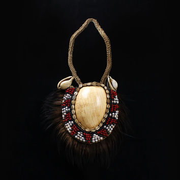 Tribal Papua Bauler Shell Necklace With A Fan Of Cassowary Feathers, Dance Ceremonial Trade Wealth Currency Traditional Ornament Collectible